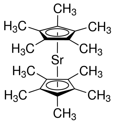 Bis(pentamethylcyclopentadienyl)strontium, dimethoxyethane adduct Chemical Structure